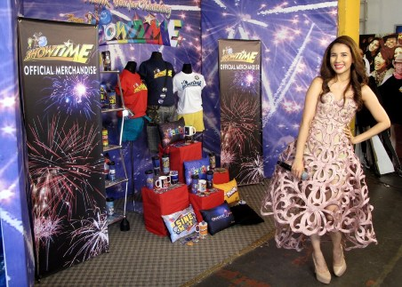 Its Showtime Host Karylle